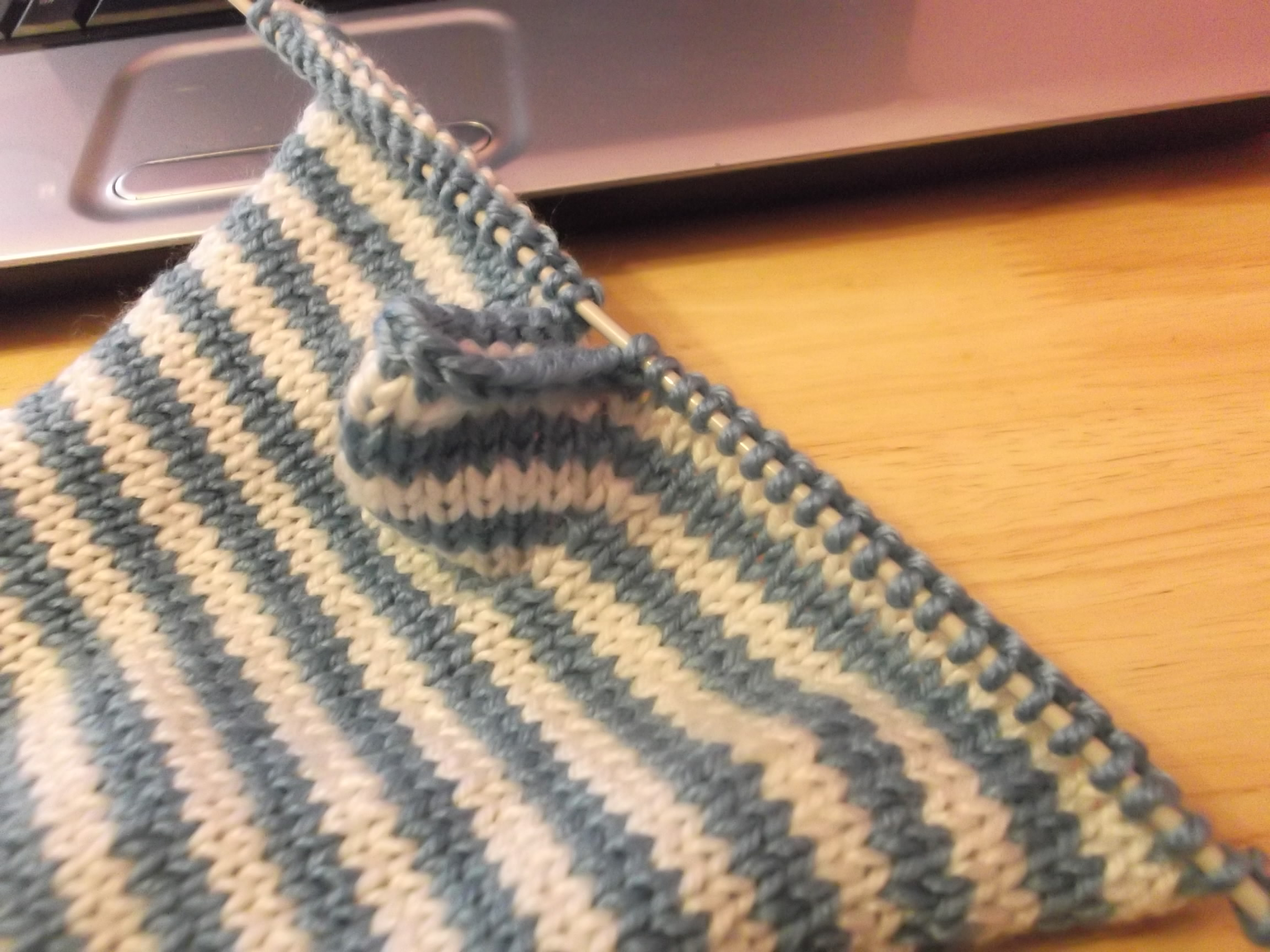 Fingerless Gloves - Stashbusting project - Mortgage Free in Three