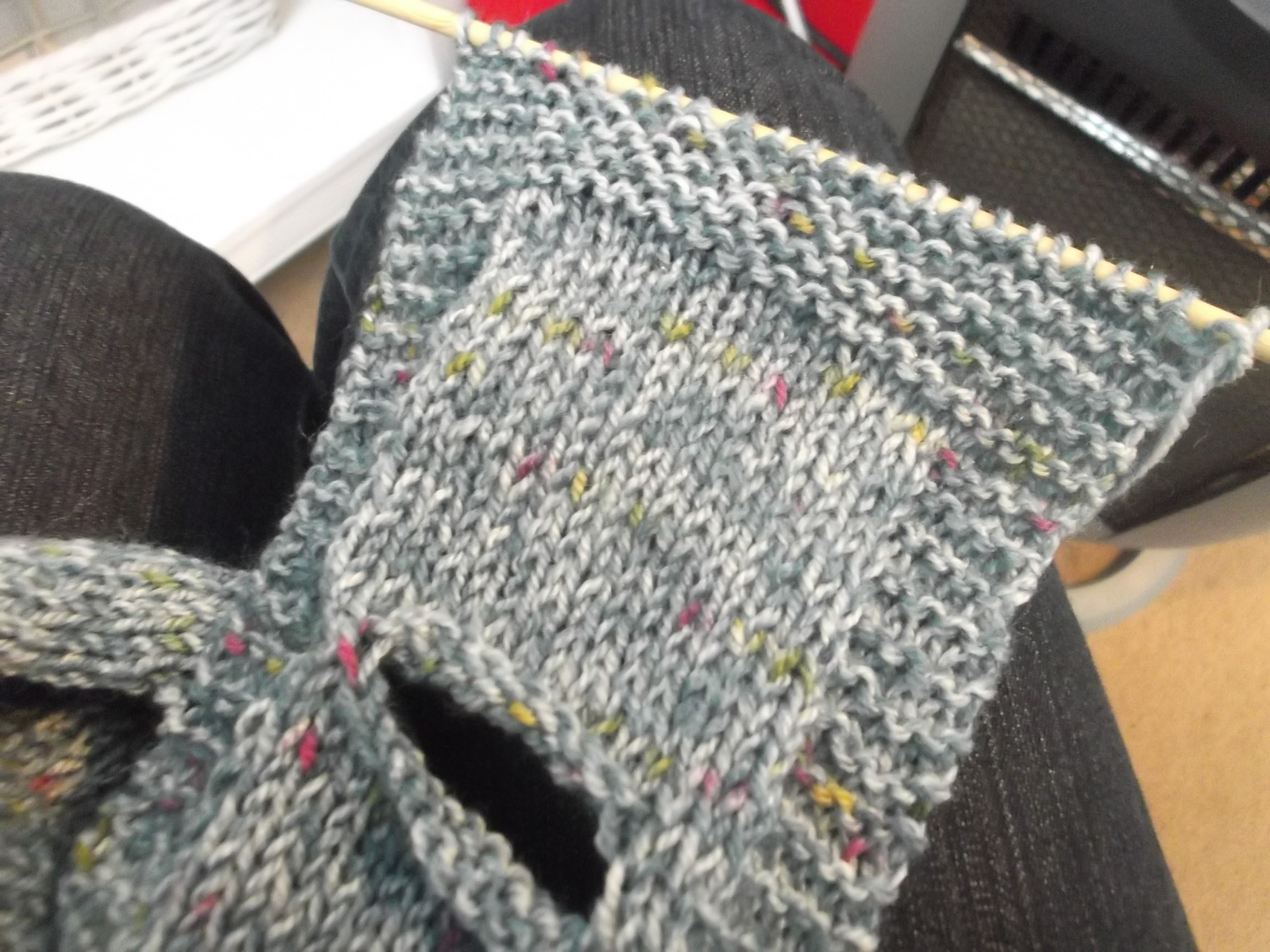 Keyhole Scarflette - another Stash Buster - Mortgage Free in Three