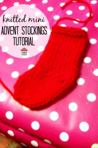 These knitted mini advent stockings are so cute and use such a small amount of yarn. With this tutorial I can whip up a few for Christmas this year in minutes!